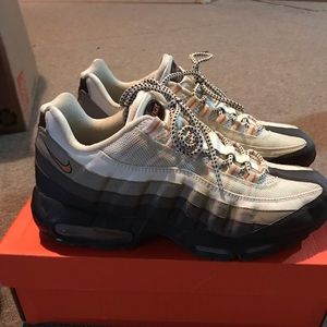 a00de96d65a ... RARE Men s Nike Air Max 95 Sz 10.5 6 Pairs of Women s ...